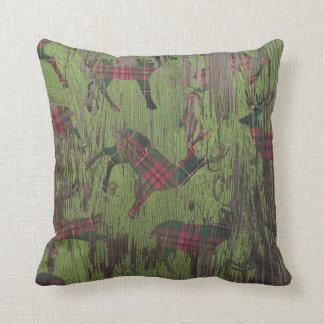 Travesseiro verde rústico do inverno do feriado da almofada
