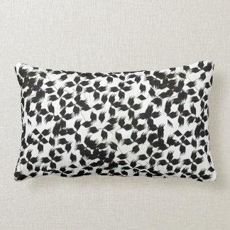 travesseiros preto e branco