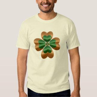 Trevo dourado sobre a luz t-shirt