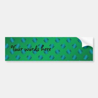 Trevos azuis no fundo verde adesivo para carro