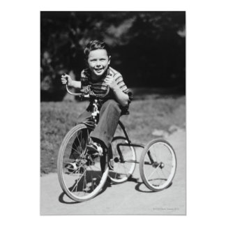 Triciclo da equitação do menino convite 12.7 x 17.78cm