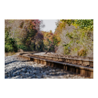 Trilhas do trem na fotografia da paisagem do poster