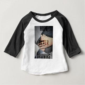 Tshirt A esperança nunca afoga-se