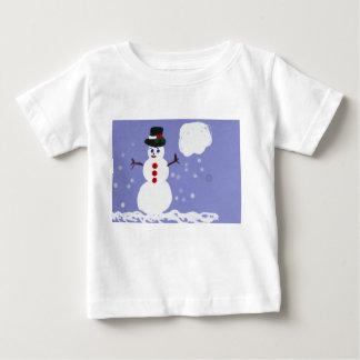 Tshirt bonito do boneco de neve do inverno para