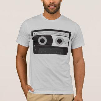 Tshirt cabido cinza dos homens da cassete de banda