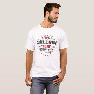 tshirt das crianças em casa