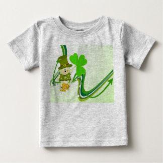 TShirt do dia de St Patrick do urso do bebê