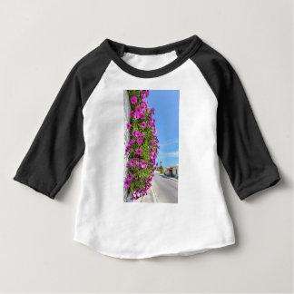 Tshirt Margaridas espanholas cor-de-rosa de suspensão na