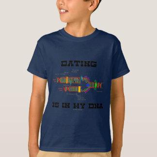 Tshirt O namorando está em meu ADN (o humor da réplica do