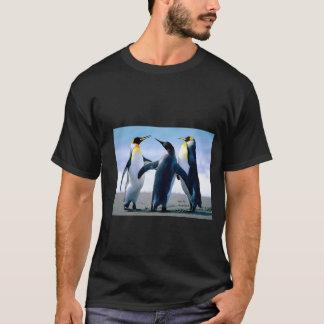 Tshirt preto do pinguim