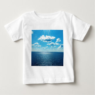 Tshirt Raios sobre o mar
