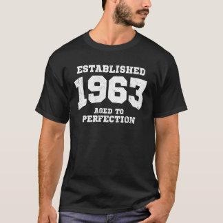 Tshirts 1963 estabelecidos envelhecidos à perfeição
