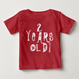 Tshirts 2 anos de rocha vermelha do crânio do aniversário