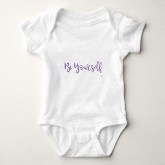 Tshirts Estar-Você Mesmo-Tipografia-Roxo