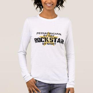 Tshirts Estrela do rock do pediatra em a noite