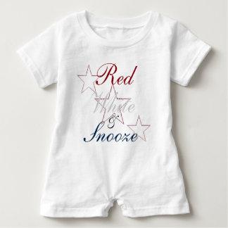 Tshirts Vermelho, branco, & Snooze