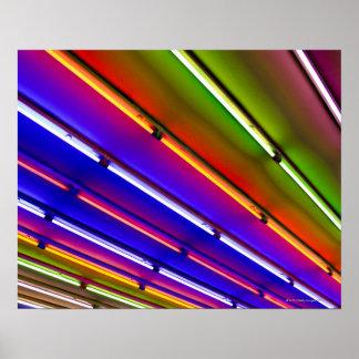 Tubos de néon coloridos na entrada da loja poster