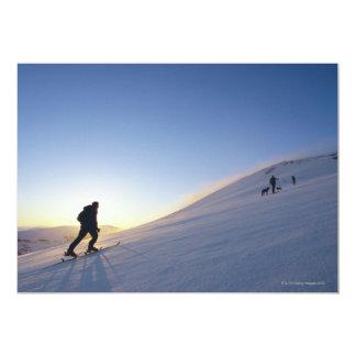 Turistas na montanha convite 12.7 x 17.78cm