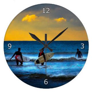 Último surf do dia relógios de pendurar