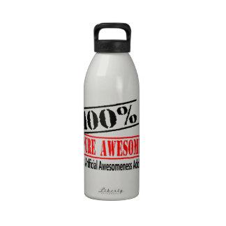 um awesomeness puro de 100 por cento garrafa de água esportiva