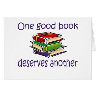 Um bom livro merece uns outros presentes cartão
