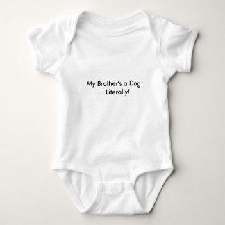 Um cão do meu irmão t-shirt