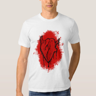 Um coração de sangramento tshirts