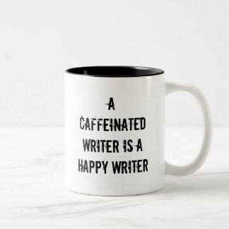 Um escritor de Caffeinated é uma caneca feliz do
