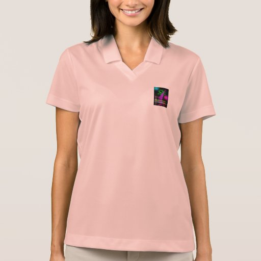 Um estrangeiro camiseta polo