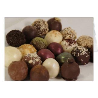 Um feliz aniversario do chocolate cartão comemorativo