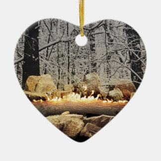 Um início de uma sessão ardente tranquilo de Yule Ornamento De Cerâmica Coração