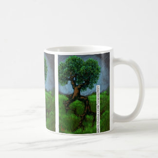 Uma árvore em um monte caneca