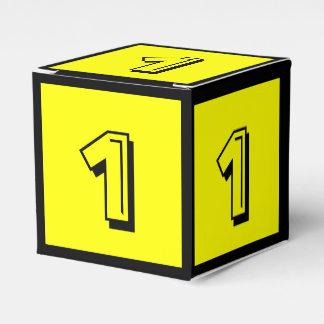Uma caixa preta amarela do bloco de apartamentos caixinhas de lembrancinhas para casamentos
