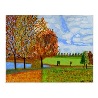 Uma caminhada do outono cartão postal