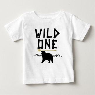 Uma camisa selvagem do primeiro aniversario da