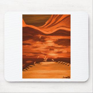 Uma paisagem alaranjada mouse pad