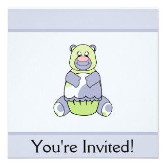Urso azul e verde de Polkadot Convite Quadrado 13.35 X 13.35cm