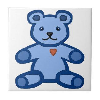 Urso de ursinho azul com coração do amor azulejo quadrado pequeno