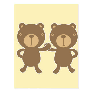 Urso de ursinho no fundo amarelo cartão postal