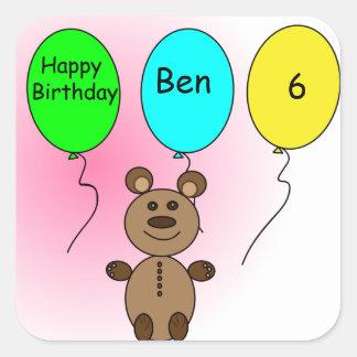Urso do balão do aniversário adesivo quadrado