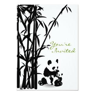Ursos de panda e convite de bambu do chá de