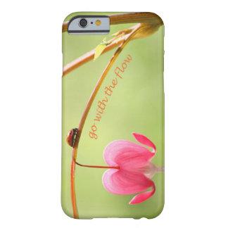 Vá com o joaninha e a flor do fluxo capa barely there para iPhone 6
