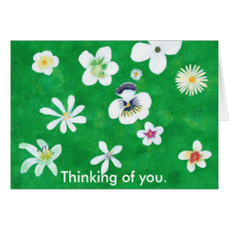 Variedade das flores brancas que pensam de você cartão comemorativo