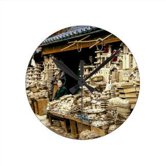 Vendendo o vintage Japão velho das decorações do Relógio Redondo