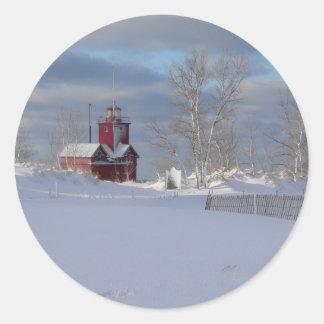 Vermelho grande na etiqueta do inverno