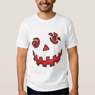 Vermelho louco da cara da abóbora da lanterna de t-shirts