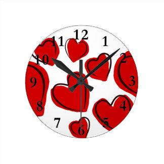 Vermelhos de Corações Relógio Redondo