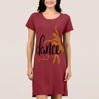 Vestido alternativo do t-shirt da dança da roupa
