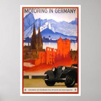 Viagens vintage, viajando de automóvel em Alemanha Poster