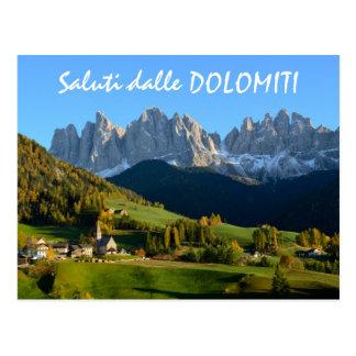 Vila das dolomites no cartão italiano do texto da cartão postal